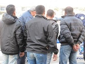 Σύλληψη εκείνων που βρέθηκαν στην λάθος πλευρά της παγκόσμιας τάξης. Ομόνοια. F/M, 31/3/2012