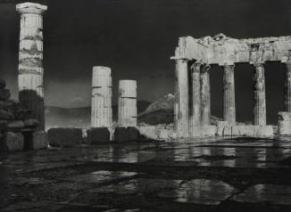 Ο Παρθενώνας μετά τη βροχή. Φωτογραφάι του Φρεντ Μπουασονά, αρχές του 20ού αιώνα
