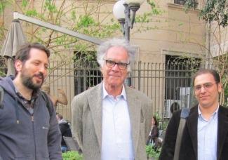Ο Κάρλο Γκίνσμπουργκ με τον Μάνο Αυγερίδη και τον Πέτρο-Ιωσήφ Στανγκανέλλη, Αθήνα 5.4.2013