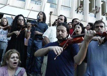 Άξιον εστί, κατειλημμένη ΕΡΤ, 15.6.2013