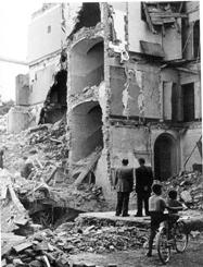 Βομβαρδισμένη πόλη της Ιταλίας κατά τη διάρκεια του Β΄ Παγκοσμίου Πολέμου