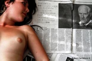 """Φωτογραφία του Robert Carrithers από το «Έρωτας και σεξ. Μια σειρά φωτογραφιών αφιερωμένων στο βιβλίο του Αλαίν Μπαντιού """"Eγκώμιο για τον έρωτα""""», 2012"""