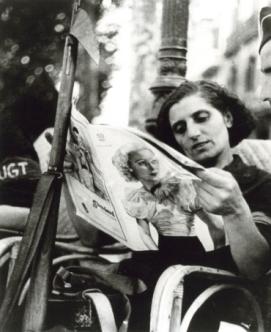 Βαρκελώνη, Αύγουστος 1936. Γυναίκα της πολιτοφυλακής. Φωτογραφία του Ρόμπερτ Κάπα.