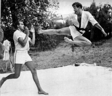 Καράτε κιντς: ο Χουάν Κάρλος και ο κουνιάδος του Κωνσταντίνος,  Αθήνα1966