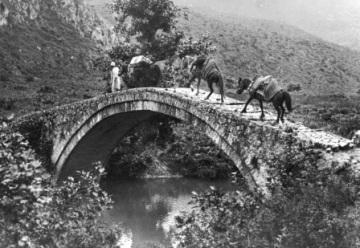 Γέφυρα στην Κεραμίτσα Θεσπρωτίας. Φωτογραφία του Φρεντ Μπουασονά, 1913
