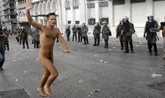 Πλατεία Συντάγματος, 9.10.2012. Φωτογραφία του Mίλος Μπικάνσκι.