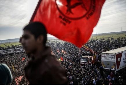 Κούρδοι πανηγυρίζουν για την απελευθέρωση του Κομπάνι, στο Σουρούκ, 27.1.2015