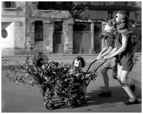 Καμουφλάζ, απλευθέρωση του Παρισιού, 25.8.1944. Φωτογραφία του Ρομπέρ Ντουανό.