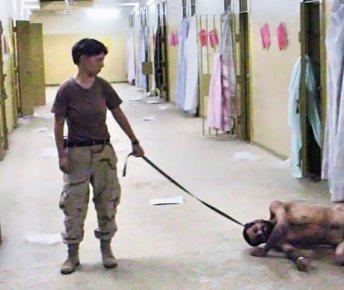 Αμπού Γκράιμπ (28 χιλιόμετρα έξω από τη Βαγδάτη).  Τον Απρίλιο του 2010 δημοσιοποιούνται φωτογραφίες με  γυμνούς ιρακινούς κρατούμενους  που υφίστανται χλευασμό, σεξουαλική κακοποίηση και βασανισμό από αμερικανούς στρατιώτες, προκαλώντας  διεθνή κατακραυγή.