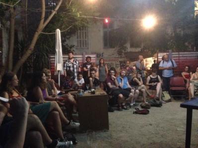 Μετά τα συνέδριο. Συνάντηση συντονισμού, στο παρκάκι της Τσαμαδού, το βράδυ της Παρασκευής 18 Ιουλίου (από το facebook του Lukas Oberndorfer)