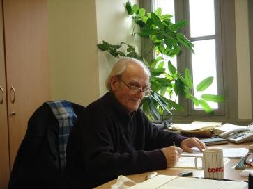 Ο Στέφανος Στεφάνου στα γραφεία της ΕΜΙΑΝ, Σεπτέμβριος 2013.