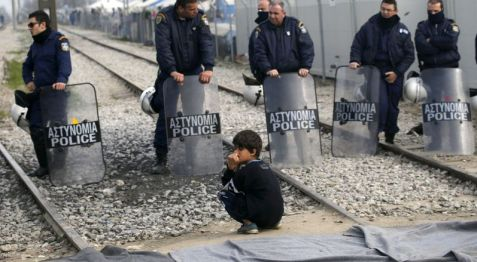 Ειδομένη, 22.3.2016. AP Photo/Darko Vojinovic (Source: www.refugeesdeeply.org)