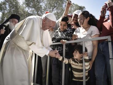 Ο Πάπας στο στρατόπεδο της Μόριας. Φωτογραφία: Getty Images